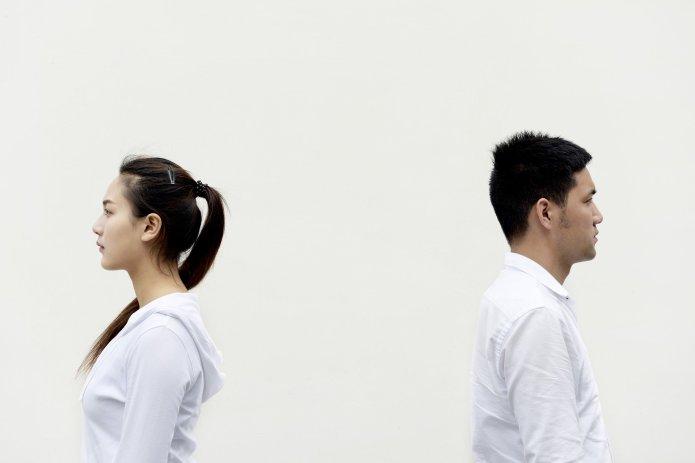 3 Ways To Explain Your Mental Illness Diagnosis To Your Partner (thepatchworkfox.com)